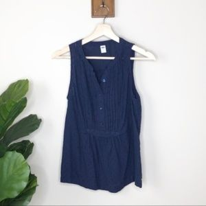 Old Navy button up sleeveless blouse